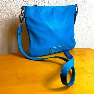 Marc Jacobs 💙 Blue Pebbled Leather Crossbody Bag